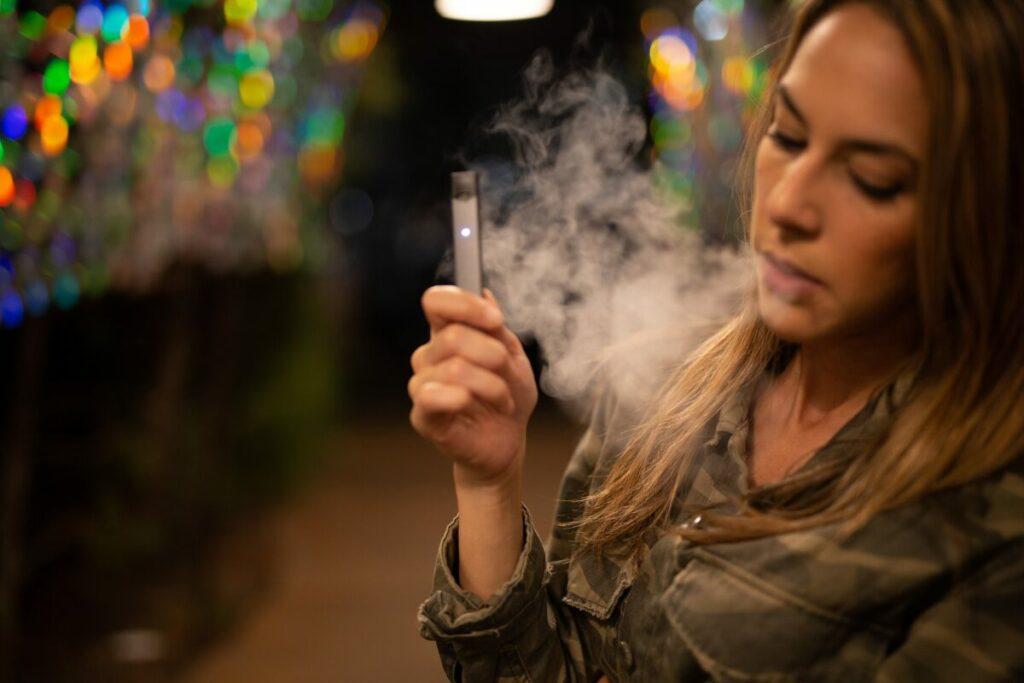 Australia chce zakazu e-papierosów