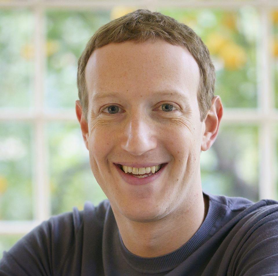 Facebook zostawia wypowiedzi Trumpa