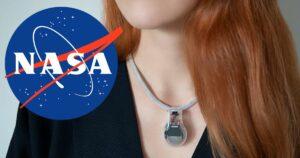 Naszyjnik NASA nie pozwoli ci dotykać twarzy