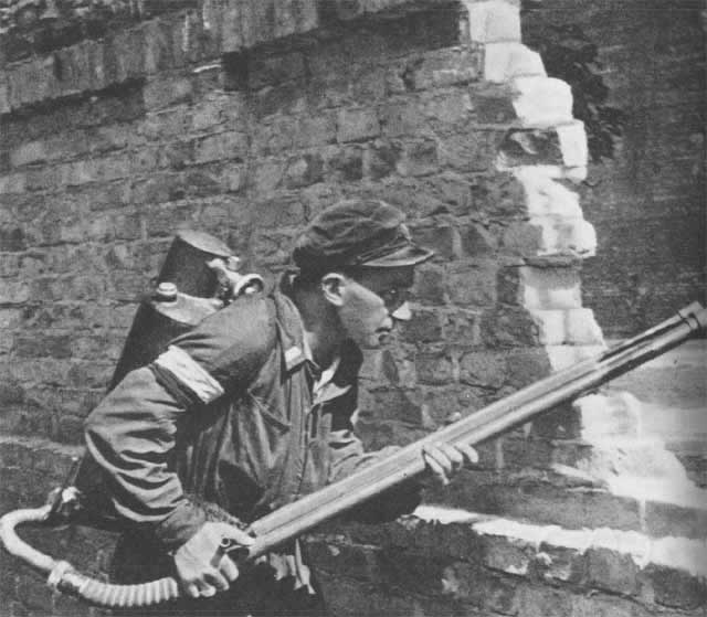 Czym walczyli powstańcy warszawscy